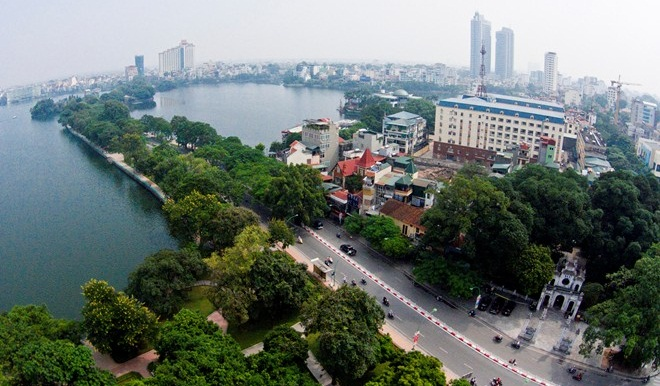 the beauty on the most romantic-road hanoi - vietnam-visa.com