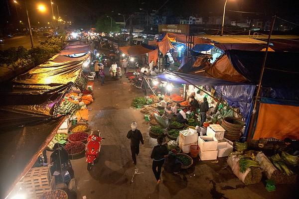 Long Bien - one of best 7 street markets worldwide - Online portal for Vietnam visa