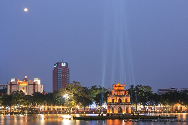 Hoan Kiem Lake in Hanoi  - Vietnam visa