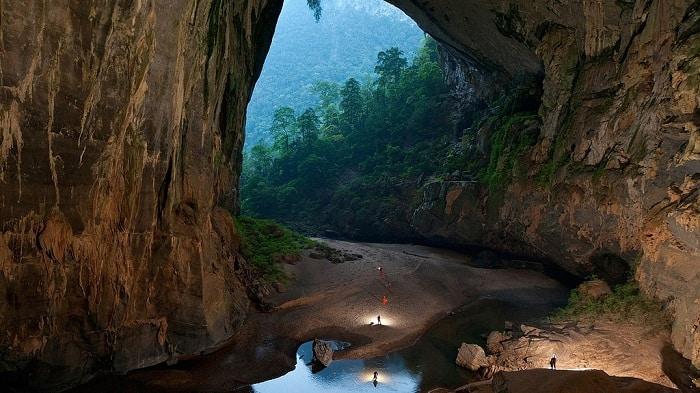 Son Doong Cave Vietnam - via flikr Myilmazarslan - Vietnam visa online