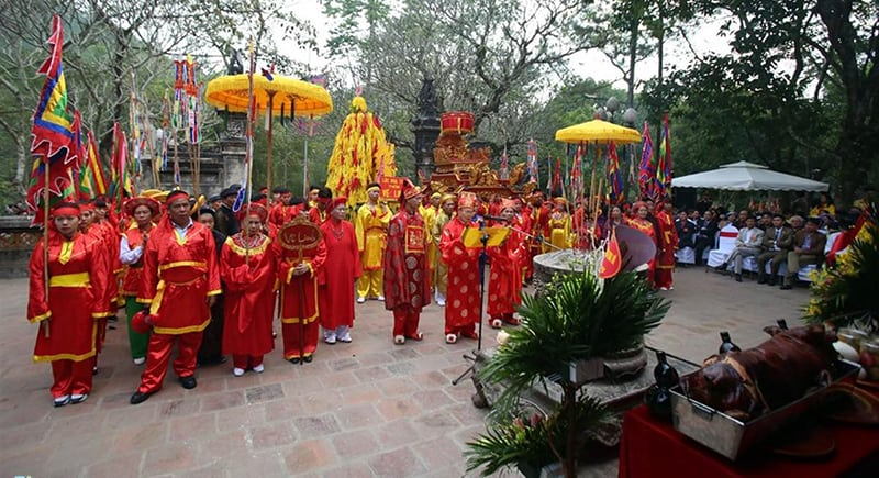 Giong festival Vietnam visa