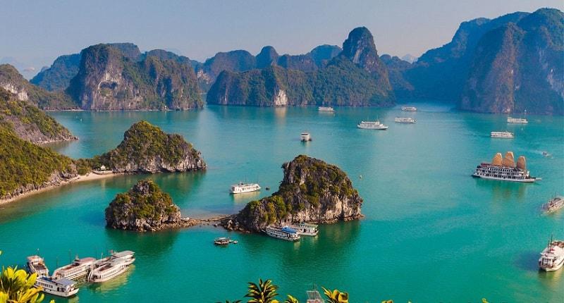Halong Bay - a beautiful natural wonder in northern Vietnam - Apply Vietnam Visa