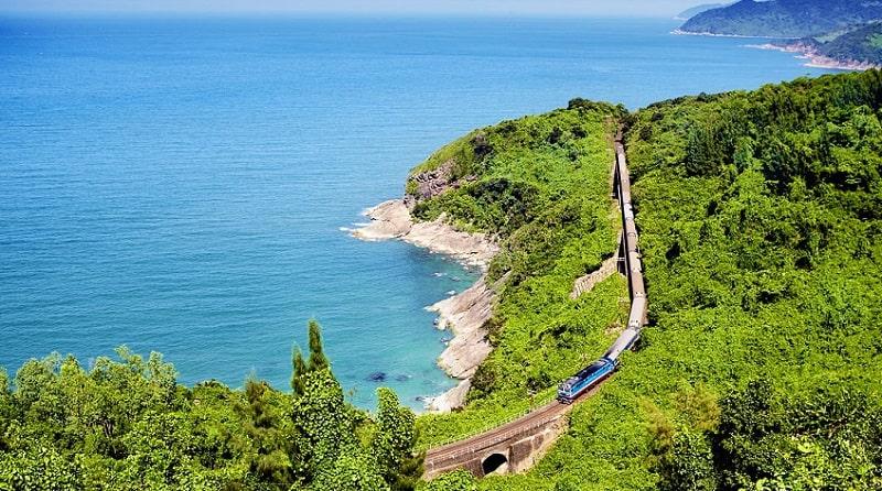 Travel in Vietnam by train - Vietnam visa on arrival